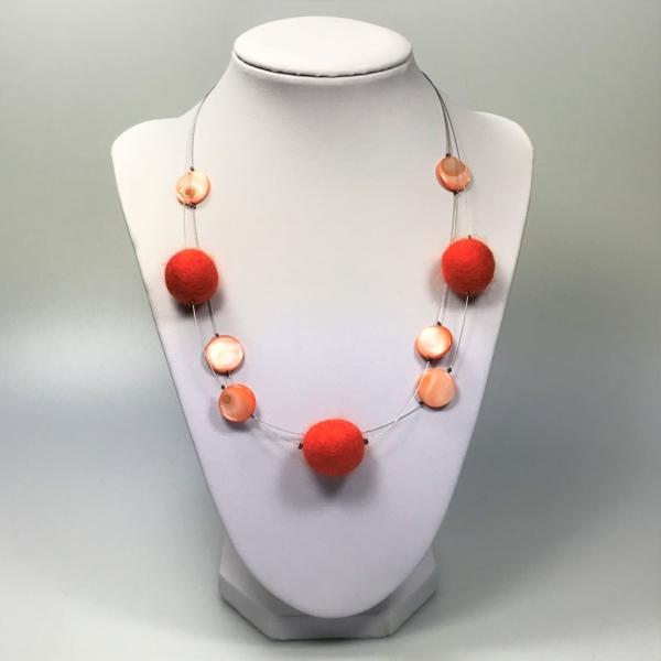 Halskette mit Filzperlen orange, ca. 50cm