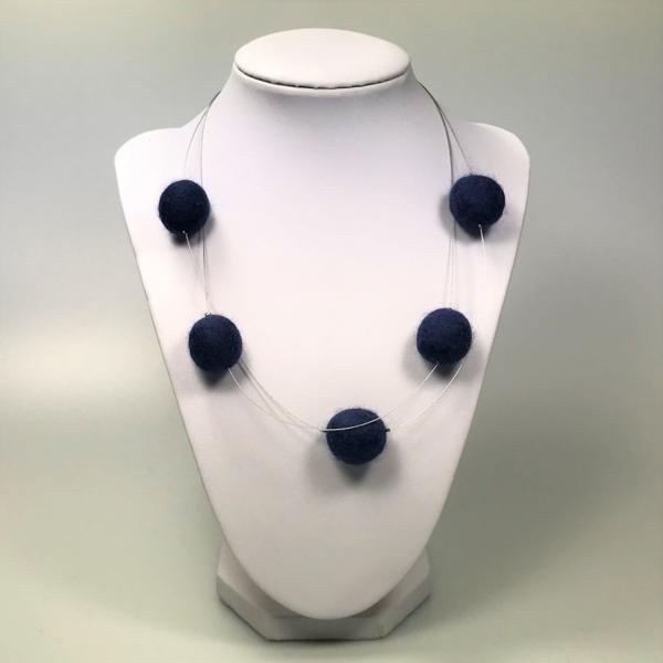 Halskette mit Filzperlen dunkelblau, ca. 50cm