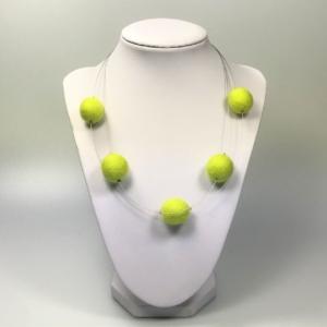 Halskette mit Filzperlen hellgrün, ca. 50cm