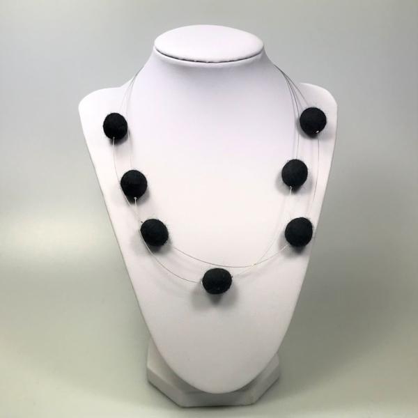 Halskette mit Filzperlen schwarz, ca. 50cm