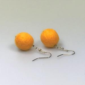 Ohrringe aus gelben Filzperlen 1,5cm