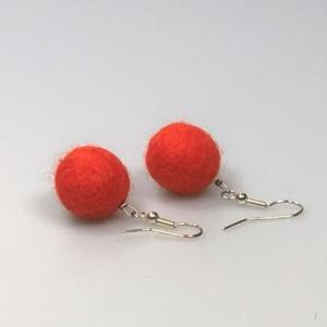 Ohrringe aus orangen Filzperlen 1,5cm