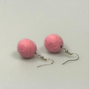 Ohrringe aus rosa Filzperlen 1,5cm