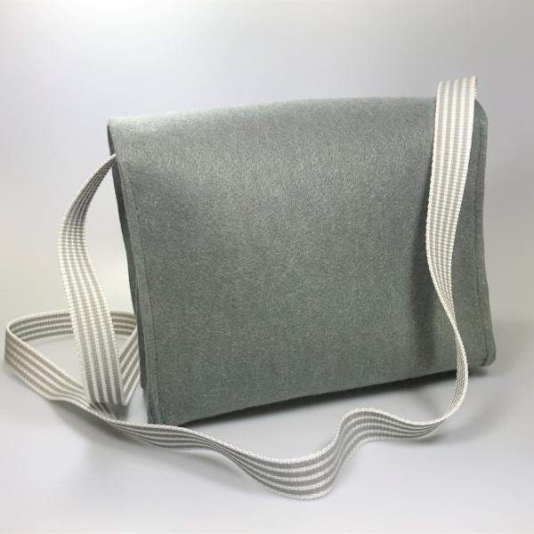 Filzhandtasche grau Rückseite
